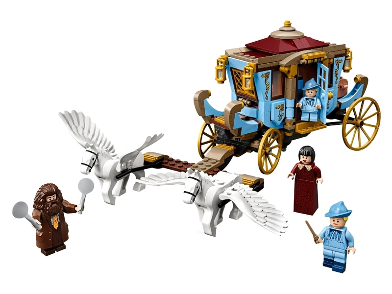 Beauxbatons' Carriage: Arrival at Hogwarts™